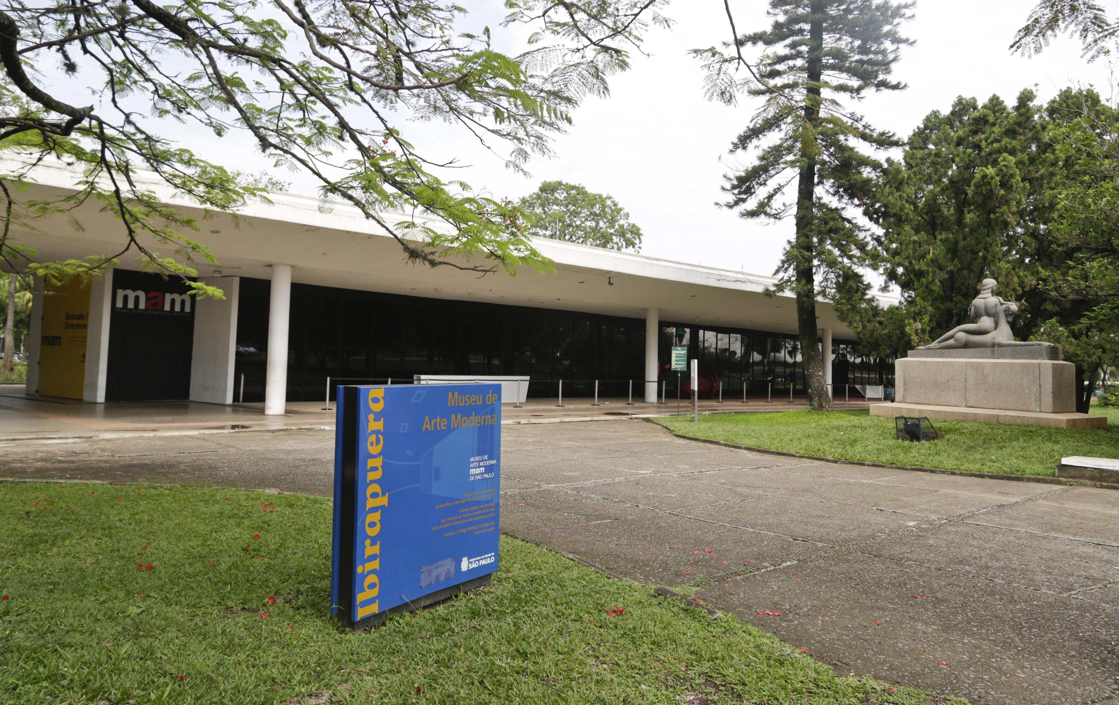 MAM – São Paulo (SP) – 09.11.2015 – geral – Vista da fachada do Museu de Arte Moderna MAM, no Parque Ibirapuera. Foto: Jose Cordeiro/SPTuris