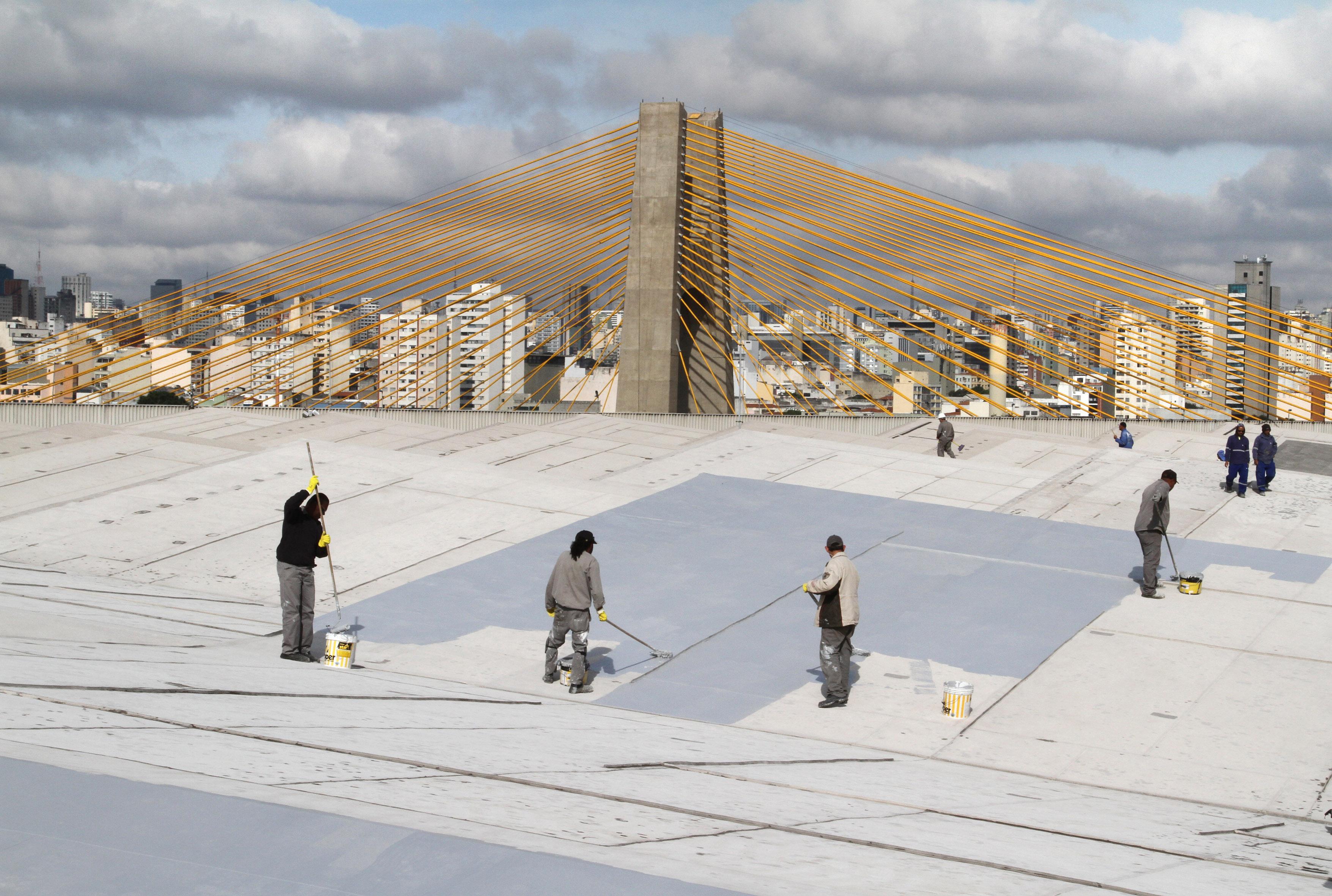 Impermeabilização do telhado do Pavilhão. Foto: Jose Cordeiro/ SPTuris.