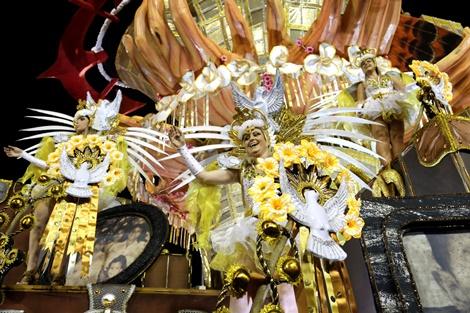 Carnaval 2017 - São Paulo (SP) - Desfile das escolas de samba do grupo Especial do Carnaval de São Paulo, no Sambódromo do Anhembi. Na foto, desfile da Gaviões da Fiel. Foto: Jose Cordeiro/SPTuris