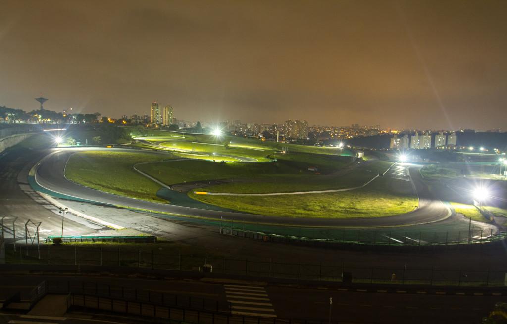 Autodromo teste iluminação - São Paulo (SP) 10.01.2018 - Teste de iluminação de pista no Autodrómo de Interlagos. Entidades do automobilismo participam de teste de ilumação nas áreas de escape. Foto: Jose Cordeiro/SPTuris
