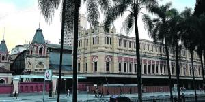 Estac-o-da-Luz-no-centro-da-cidade-quase-dois-milh-es-de-viajantes-vieram-a-capital-paulista-em-2017