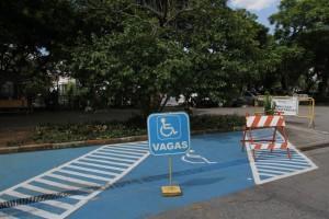 vaga estacionamento pcd